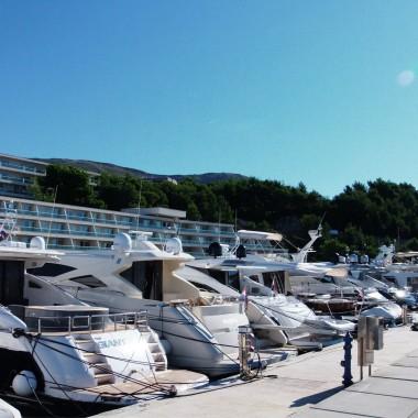 Vessel berthing - Privezno mjesto u marini